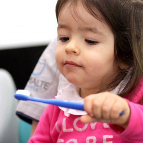 A primeira ida ao dentista das crianças